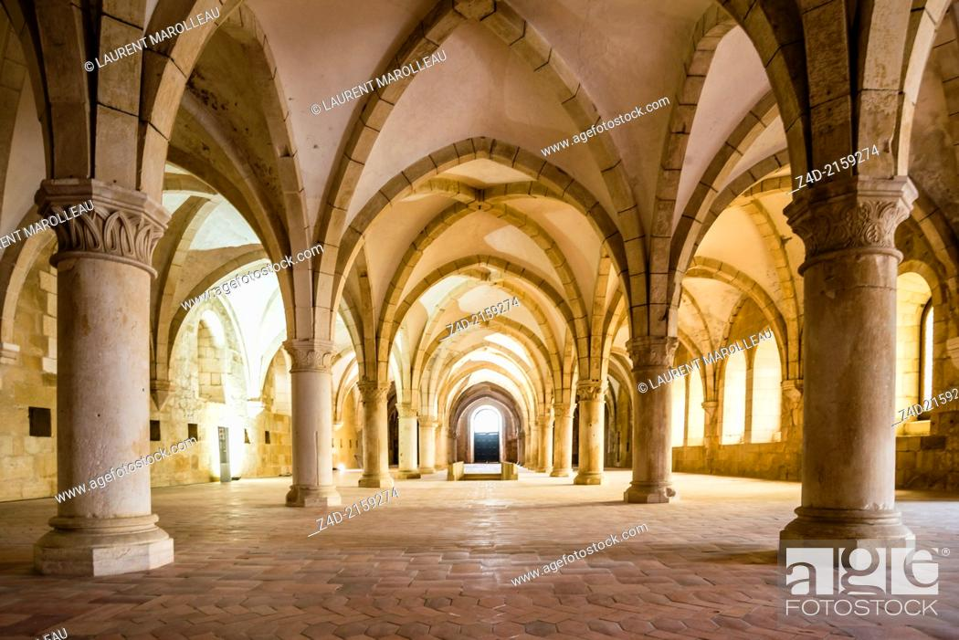 Imagen: Monks Dormitory - Santa Maria Monastery of Alcobaca, Portugal. Unesco world heritage.