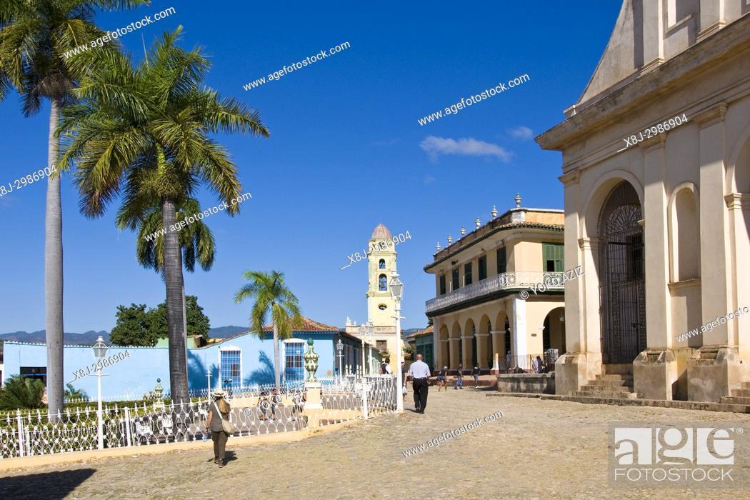 Stock Photo: Cuba, Trinidad, plaza mayor.