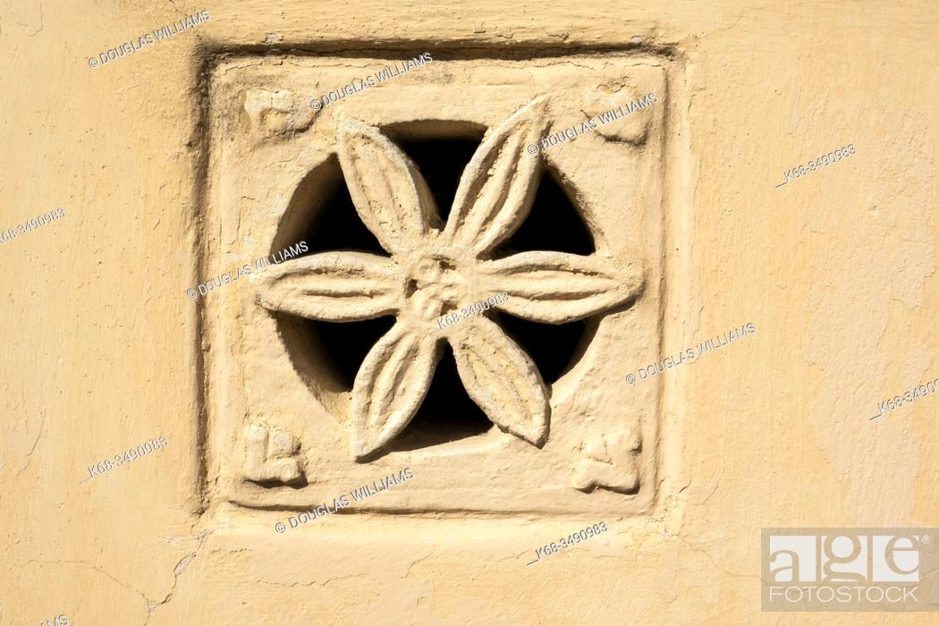 Imagen: A typical stone air vent in Matera, Basilicata, Italy.