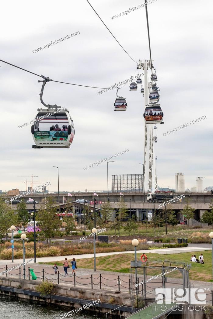Stock Photo: Emirates Air Line cable car between Greenwich and Docklands, London, United Kingdom.