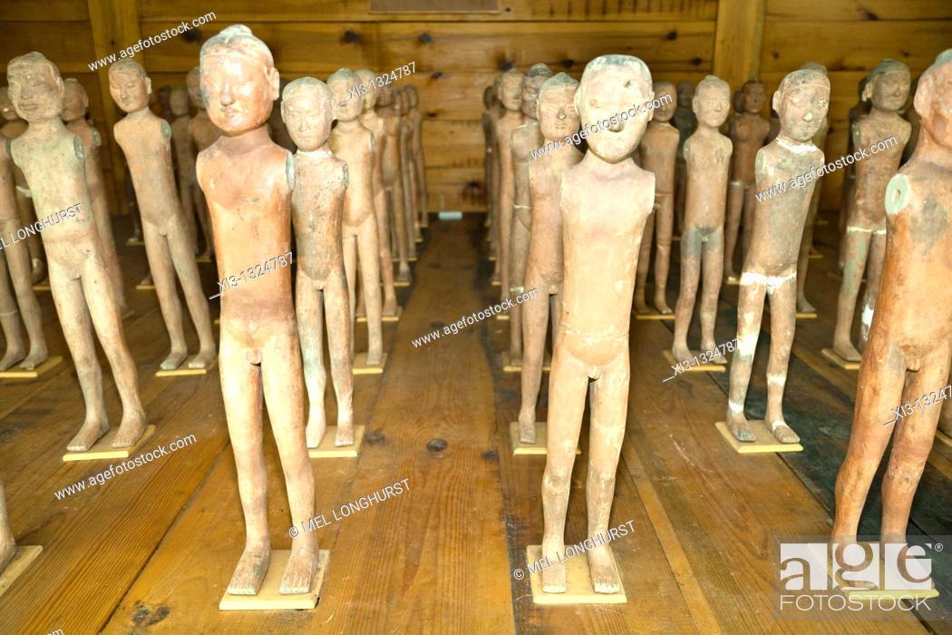 Stock Photo: Excavated terracotta exhibits, Han Yang Ling Museum, Zhangjiawan, near Xi'an, Shaanxi Province, China.