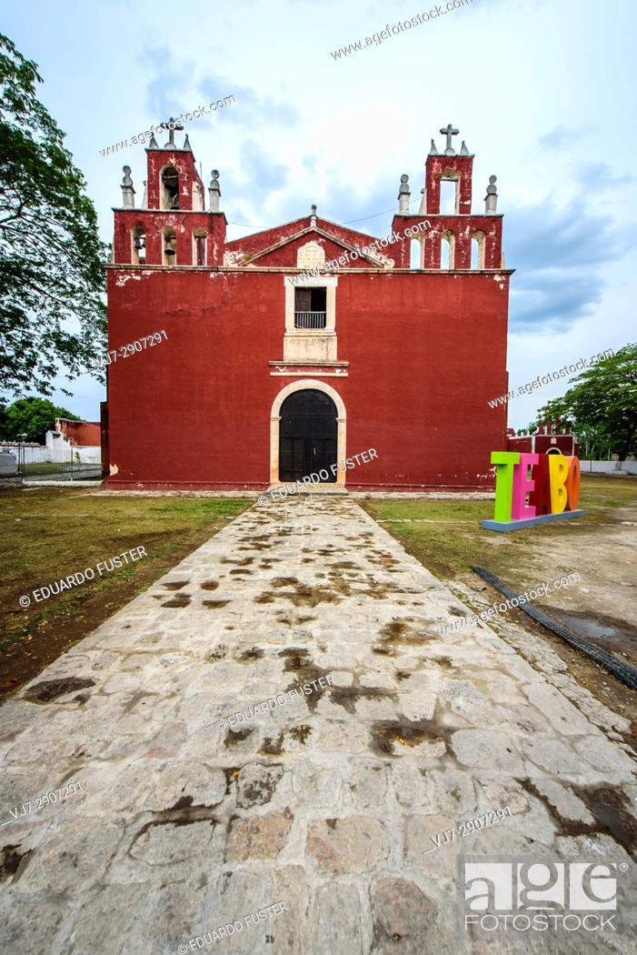 Stock Photo: Convent of Teabo (Yucatan, Mexico).