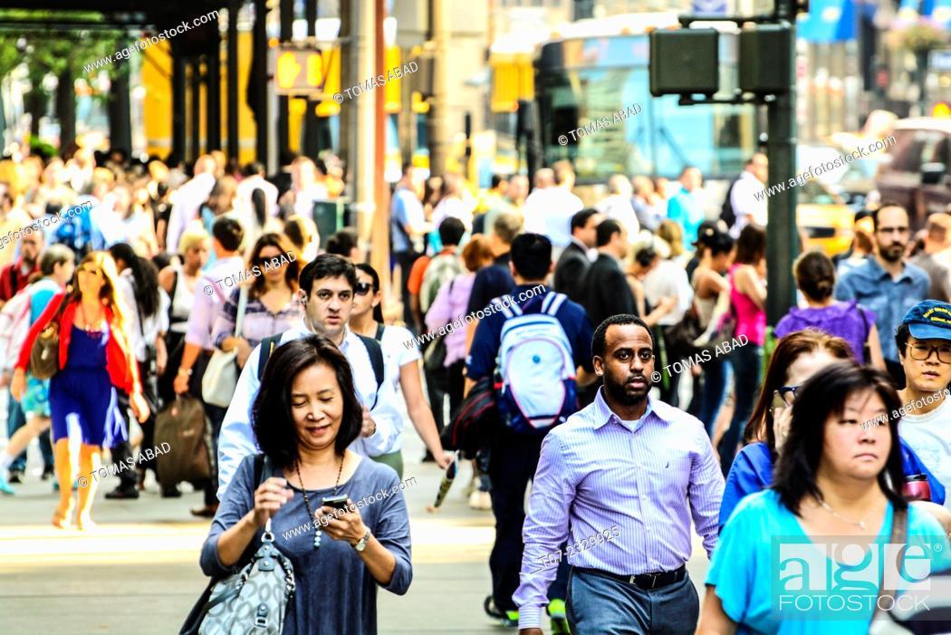 Stock Photo: Morning Rush Hour, Pedestrian Traffic, 5th Avenue, Midtown Manhattan, New York City, USA.