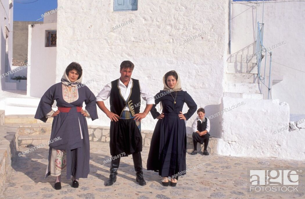 Imagen: Dodecanese, Kalymnos Megalo Horio, local man and women in traditional costumes.