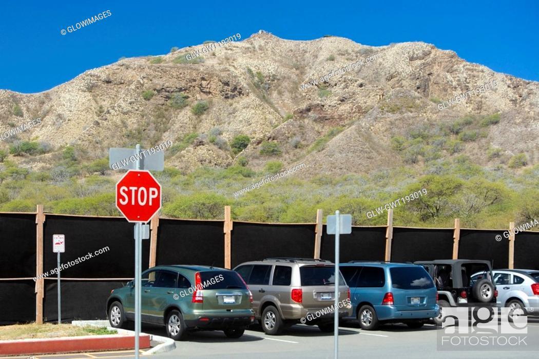 Stock Photo: Cars parked at a parking lot, Diamond Head, Waikiki Beach, Honolulu, Oahu, Hawaii Islands, USA.