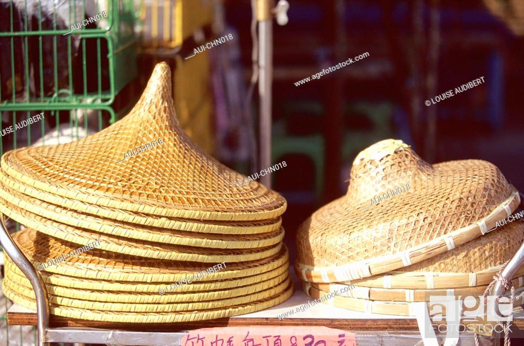 Stock Photo: Hong-Kong - chapeaux coniques et Hakka en paille de bambou.