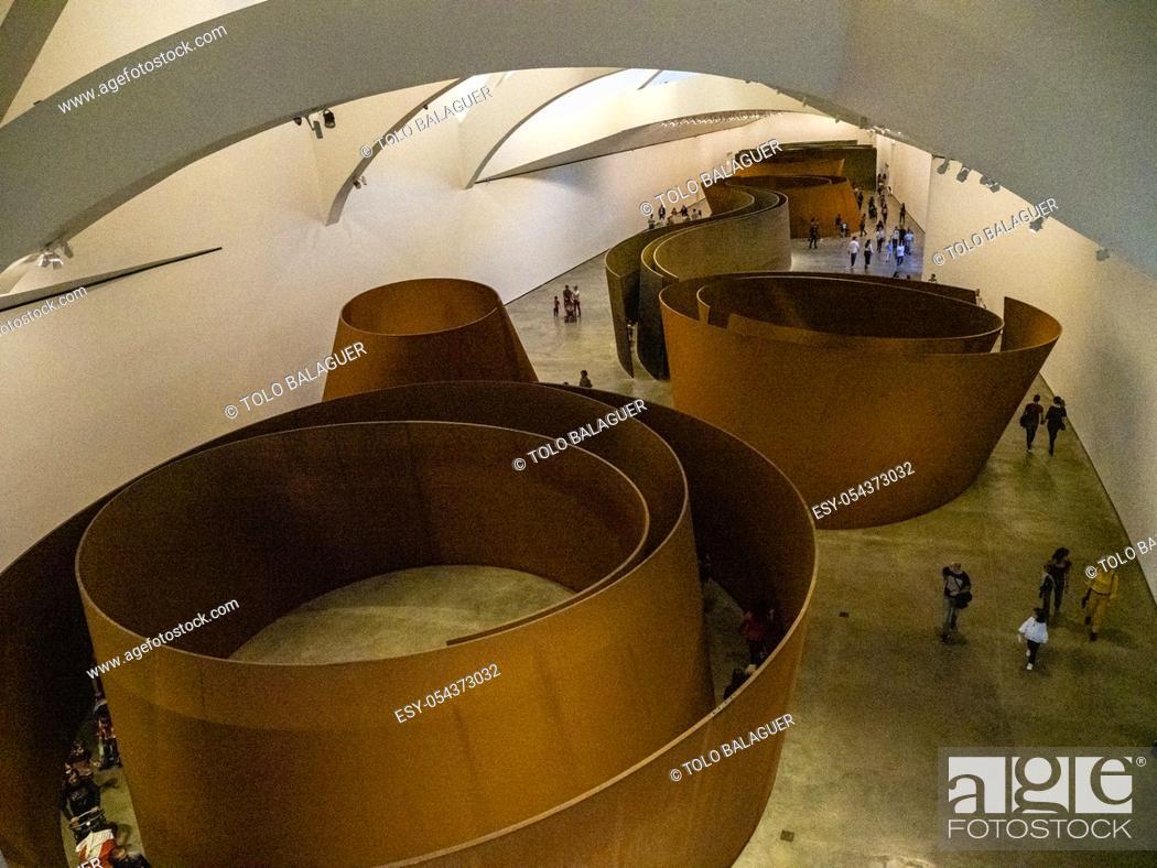 Stock Photo: La materia del tiempo, Instalación permanente de Richard Serra, Guggenheim Museum Bilbao, siglo XX, diseñado por Frank O.