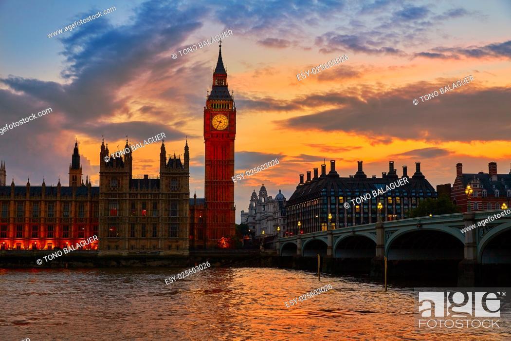 Imagen: Big Ben Clock Tower London at Thames River England.