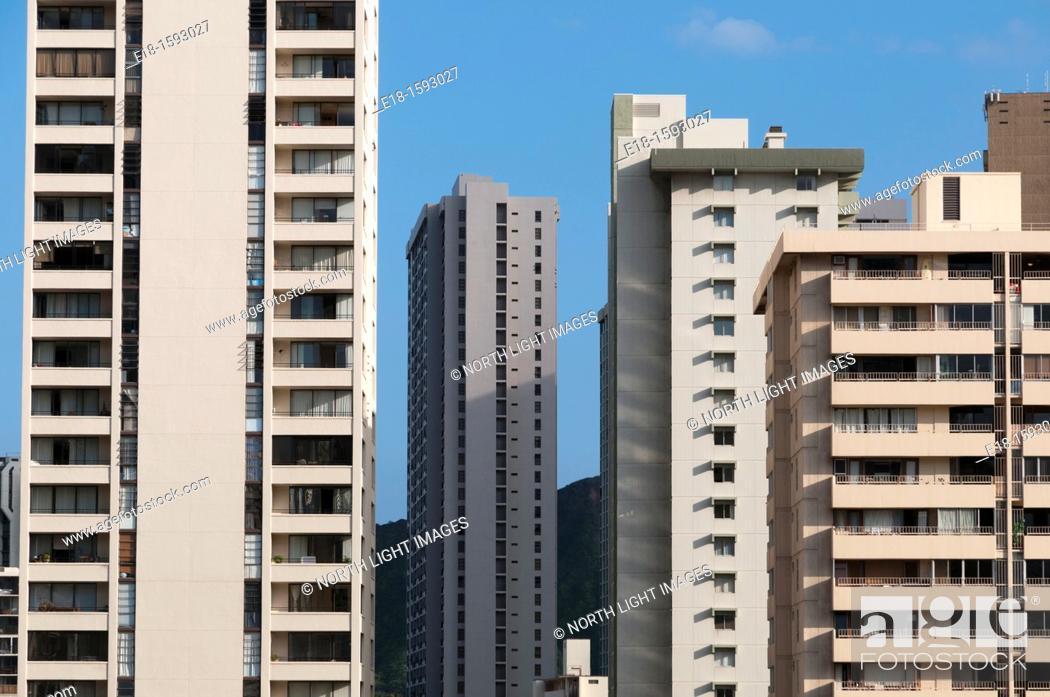Stock Photo: USA, Hawaii, Oahu. Density of hotels and apartments in Waikiki.