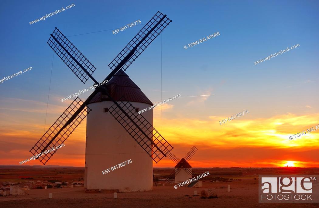 Photo de stock: Mota del Cuervo windmills in Cuenca at Castile la Mancha of spain.