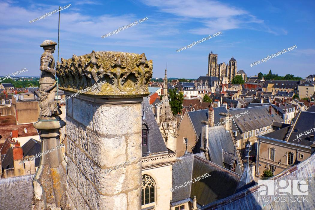 Stock Photo: France, Cher (18), Bourges, St Etienne cathedral, UNESCO world heritage.