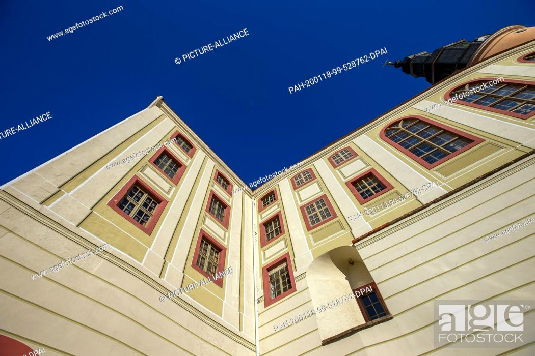 Stock Photo: 16 January 2020, Saxony, Weesenstein: In the Saxon castle Weesenstein near Pirna in the Müglitz valley a part of the art treasures of the Free State of Saxony.