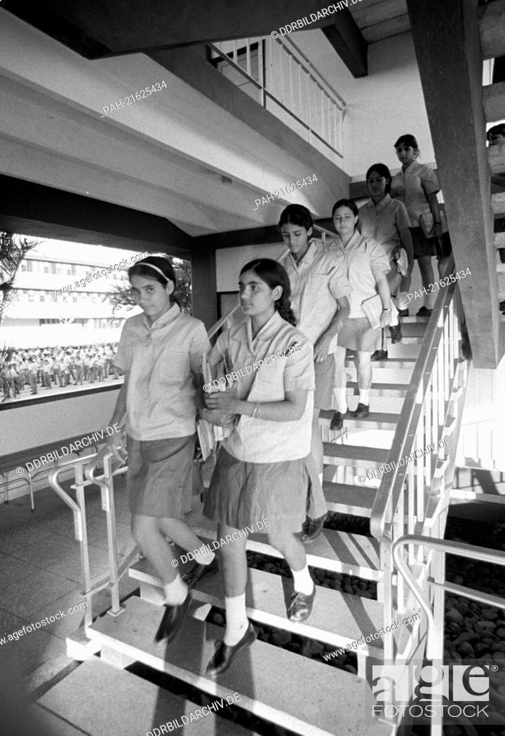Teen girls Cienfuegos