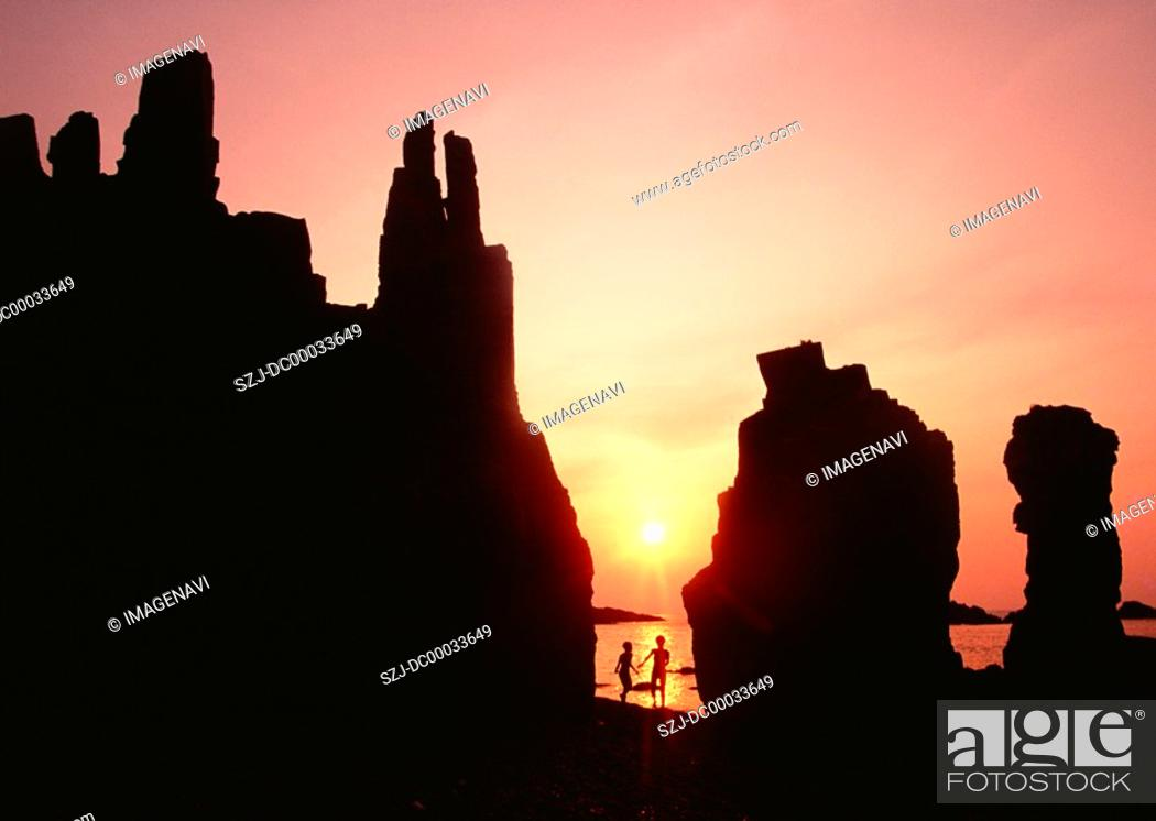 Stock Photo: Sea in sunset.