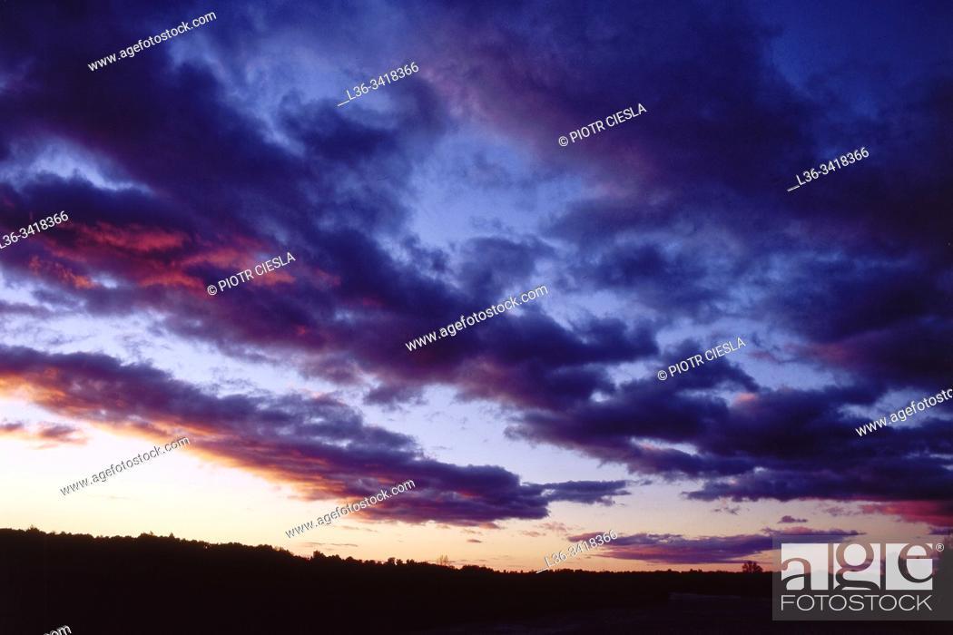 Imagen: Poland. Evening sky.