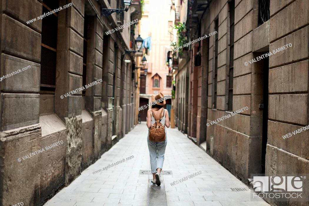 Stock Photo: Young tourist discovering streets of Barcelona.