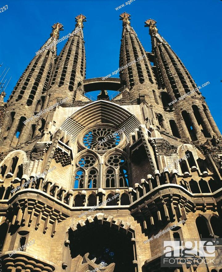 Stock Photo: Temple of Charity of the Sagrada Familia, Barcelona (UNESCO World Heritage List, 1984), by architect Antoni Gaudi. Spain. 20th century.