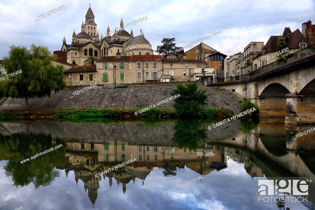 Stock Photo: old town of Périgueux, bridge over Isle River, Saint-Front Cathedral in background, World Heritage Sites of the Routes of Santiago de Compostela in France.
