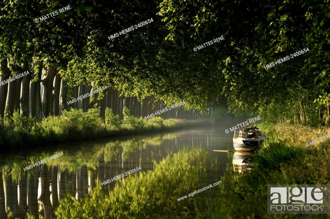 Stock Photo: France, Herault, Cers near Beziers, Canal du Midi listed as World Heritage by UNESCO.