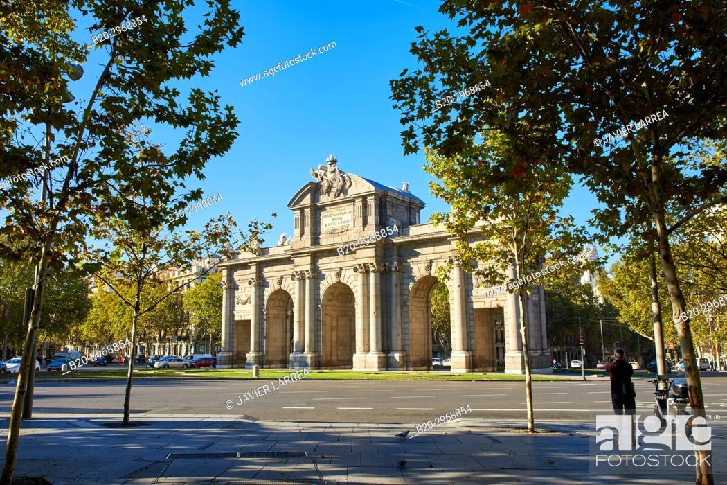 Stock Photo: Puerta de Alcalá, Plaza de la Independencia, Madrid, Spain, Europe.