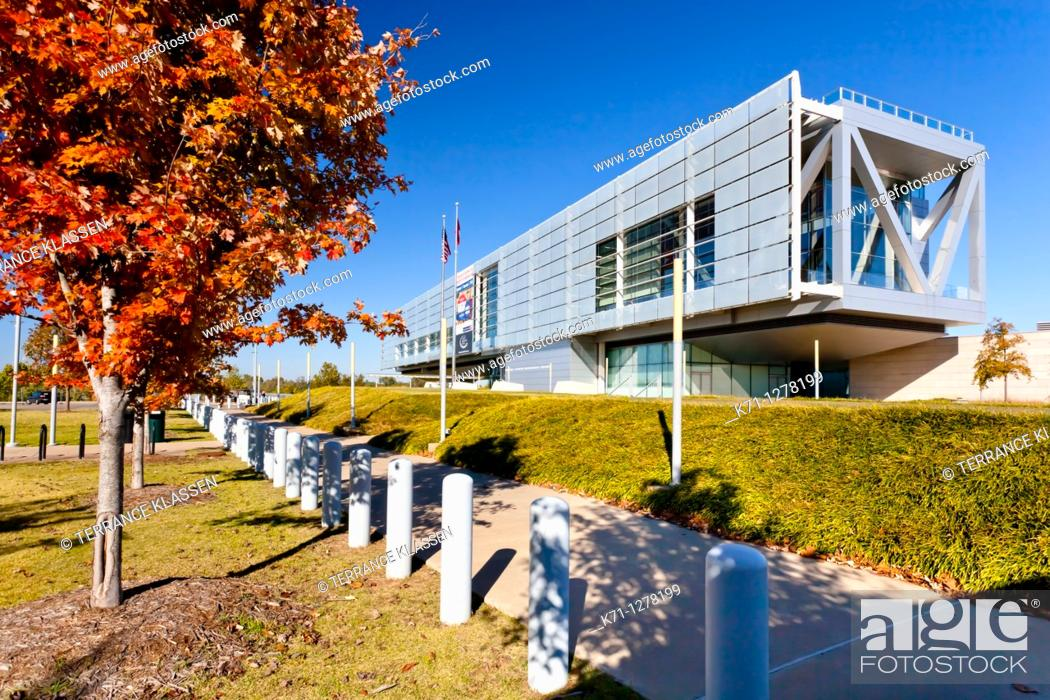 Stock Photo: The William J Clinton presidential library in Little Rock, Arkansas, USA.