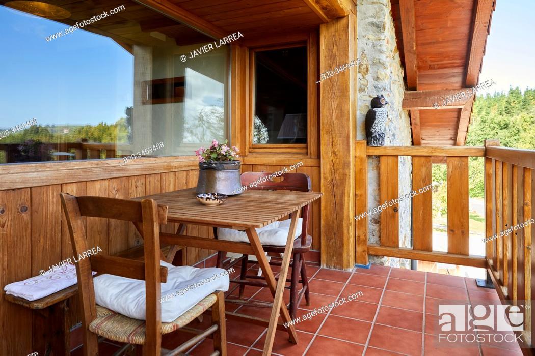Imagen: Terrace with mountain views, Apartment in rural house, Deba, Gipuzkoa, Basque Country, Spain, Europe.