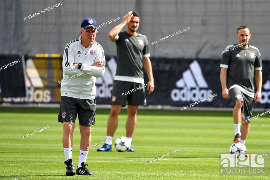 Jupp Heynckes Fc Bayern Munich Coach Mats Hummels Fc Bayern