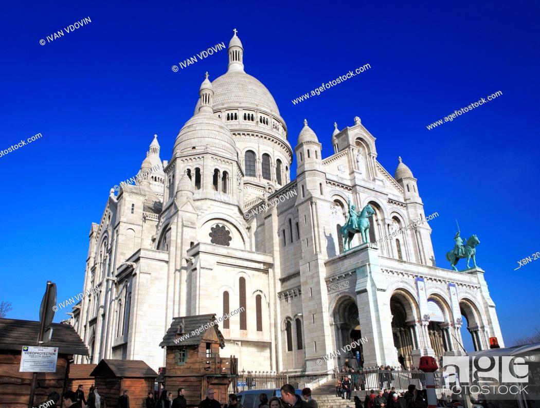 Photo de stock: Sacre-Coeur cathedral (1876-1919), Montmartre, Paris, France.