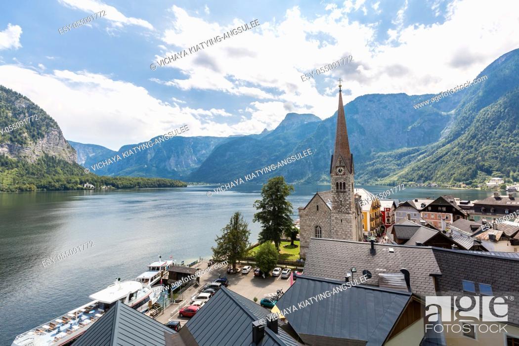 Imagen: Austria Hallstatt, Classic view of Hallstat Village.