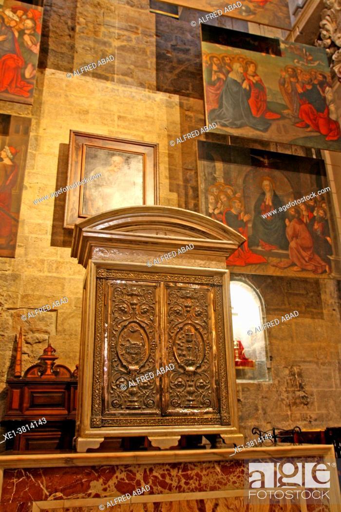 Stock Photo: Shrine of the Chapel of San Pedro, Cathedral of Santa Maria, La Seu, Valencia, Spain.