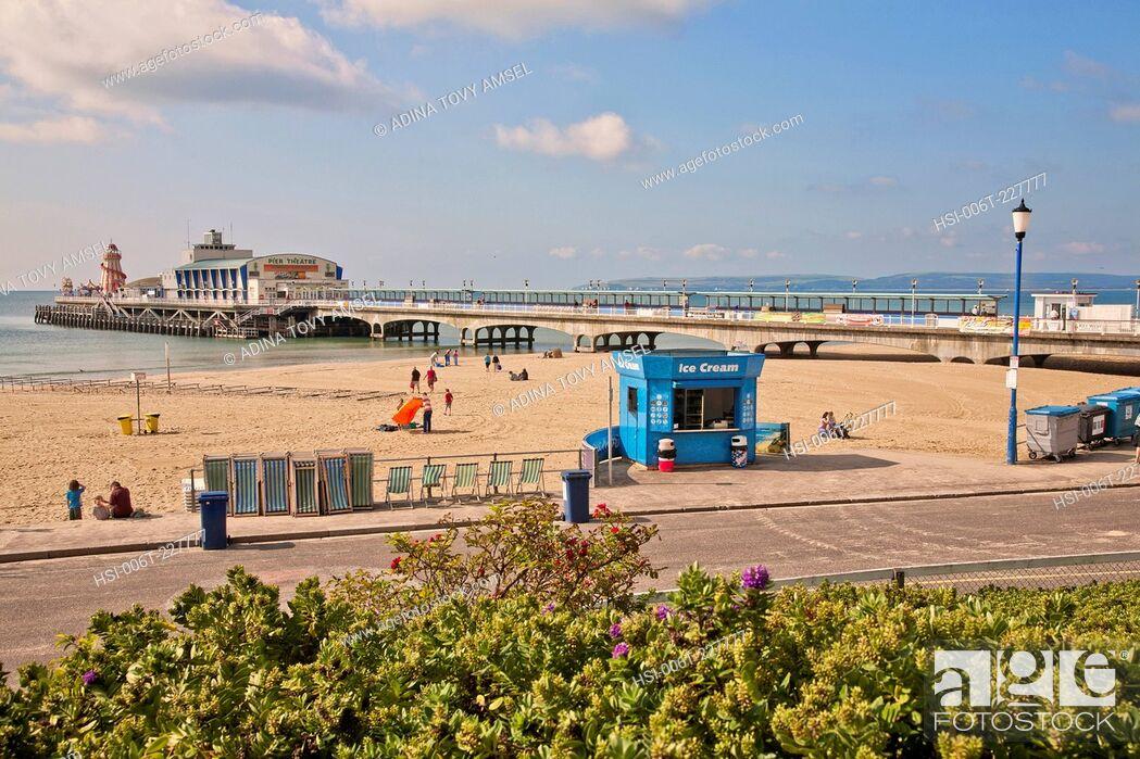 Stock Photo: United Kingdom. England. Dorset. Bournemouth sea front and pier.