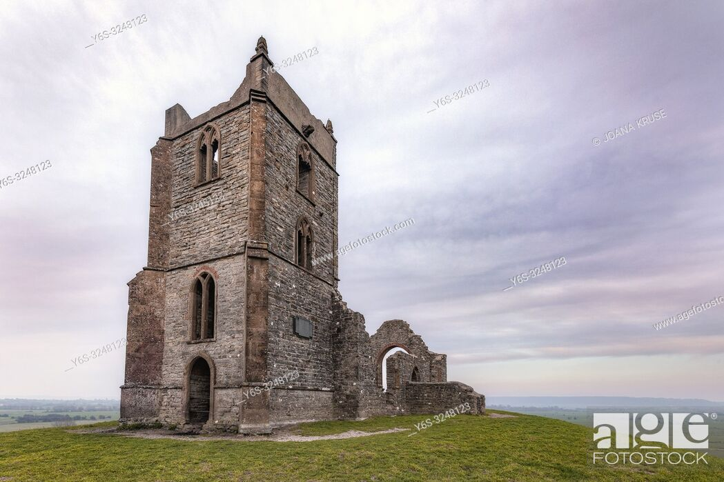 Photo de stock: Burrow Mump, Burrowbridge, Somerset, England, UK.