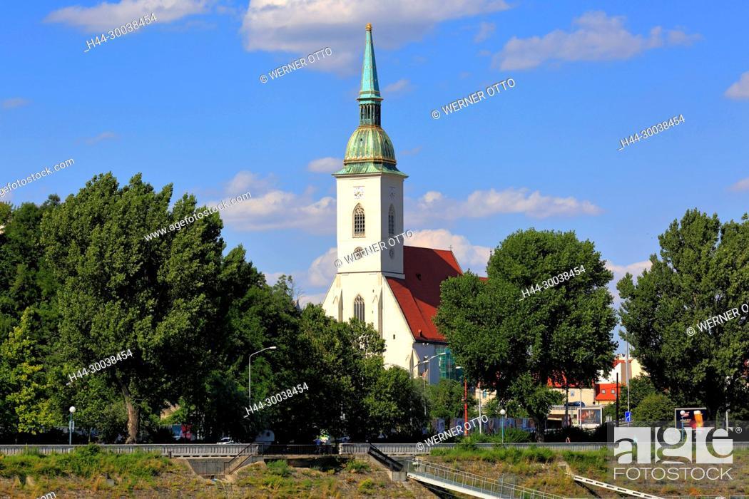 Stock Photo: Slowakische Republik, Slowakei, Westslowakei, Bratislava, Pressburg, Hauptstadt, Donau, Kleine Karpaten, Martinsdom, Kathedrale des Heiligen Martin.