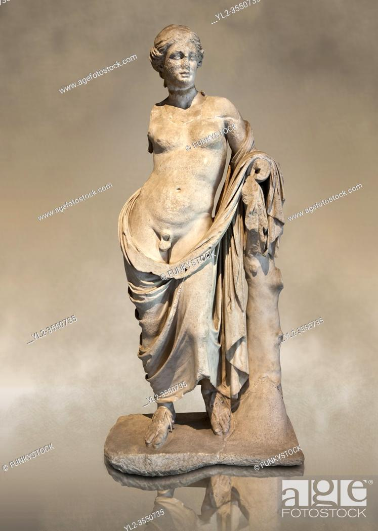 Imagen: Greek marble Statue of Hermaphroditius ( Hermaphrodites) a mythical being that has both male & female characteristics. From Pergamum (Bergama) Turkey.