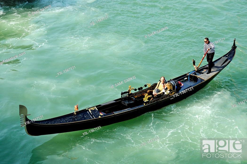 Stock Photo: Gondola on grand canal, Venice, Italy.