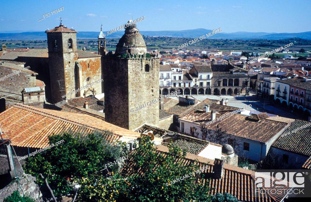 Stock Photo: Main Square. Trujillo. Cáceres province. Spain.