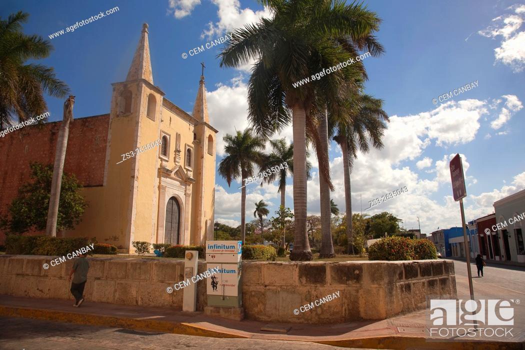 Stock Photo: Parroquia de Santa Ana Church, Merida, Yucatan Province, Mexico, Central America.