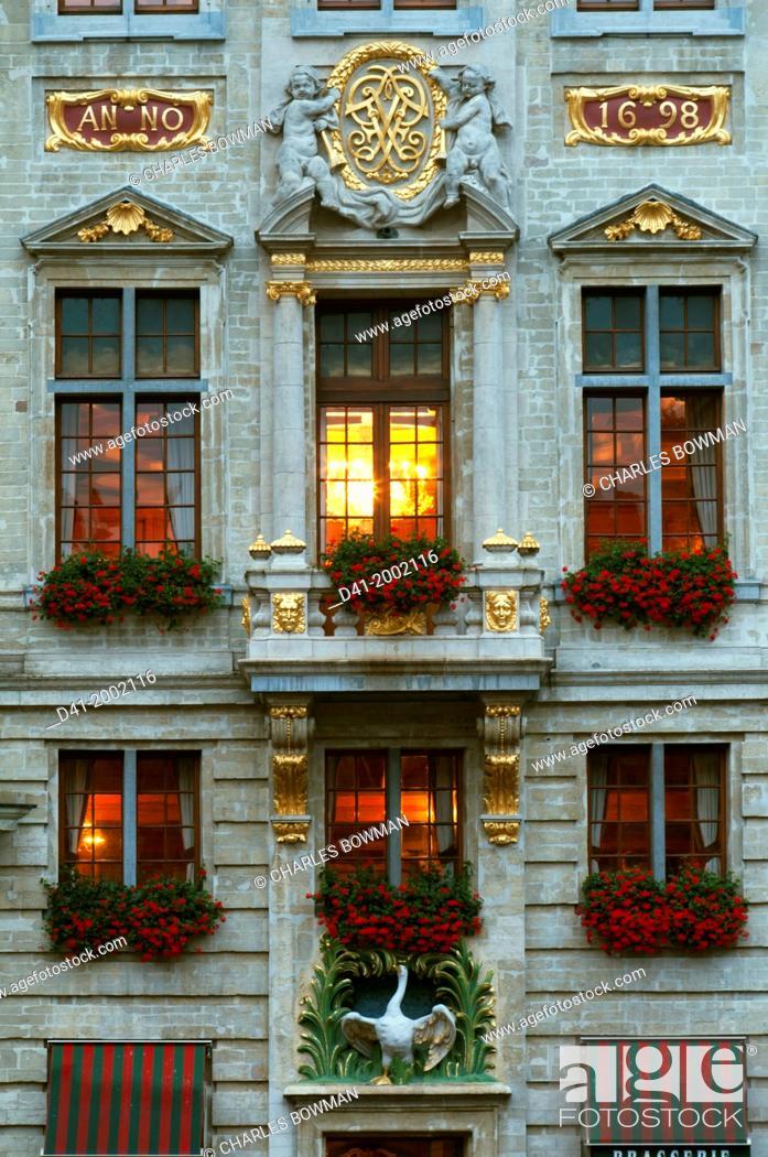 Stock Photo: Europe, Belgium, Brussels, Grand Place dusk.