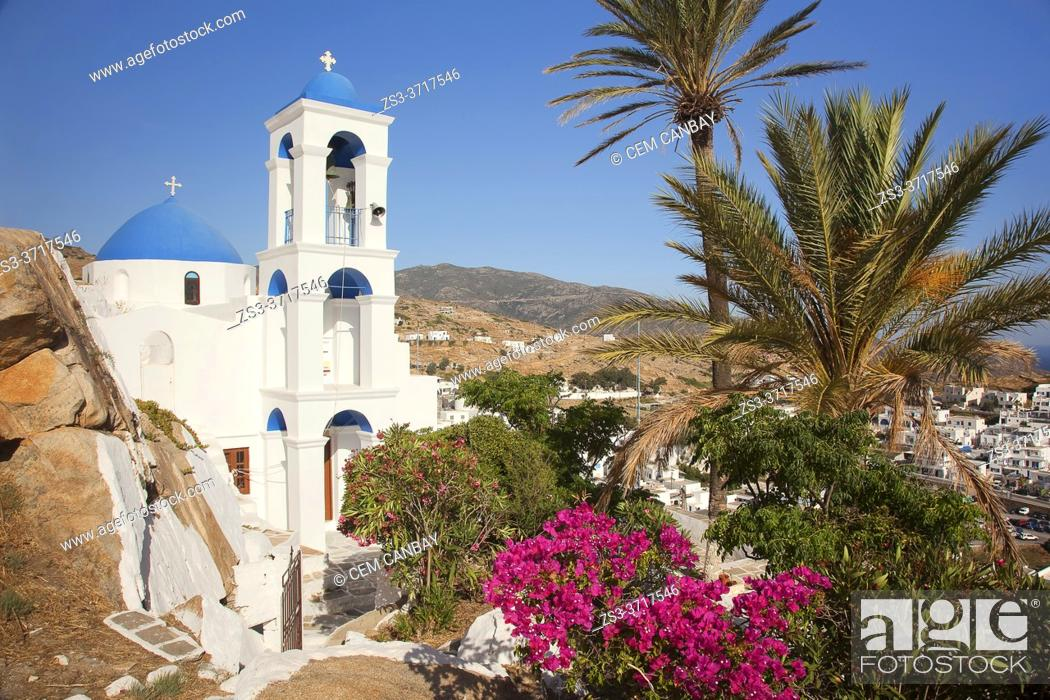 Imagen: View to the blue domed Panagia Gremiotissa church on the hill near the old town Chora, Ios, Cyclades Islands, Greek Islands, Greece, Europe.