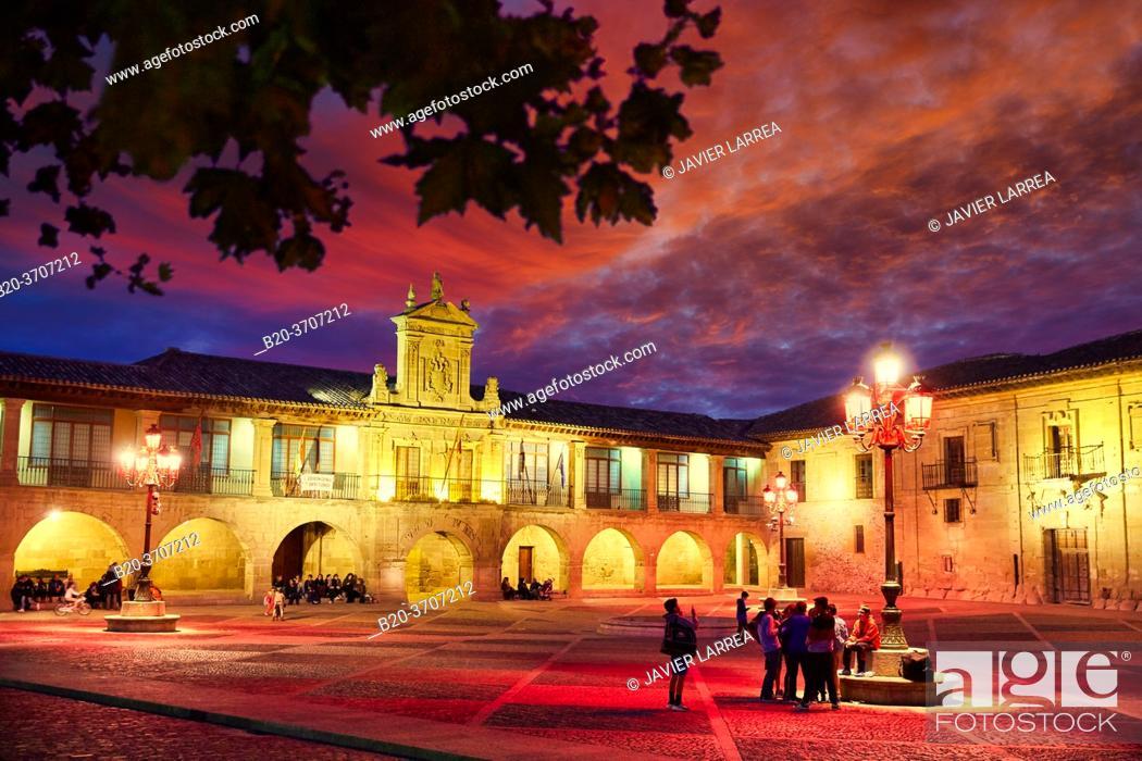 Photo de stock: City hall, Plaza de España, Way of Saint James, Camino de Santiago, Santo Domingo de La Calzada, La Rioja, Spain, Europe.