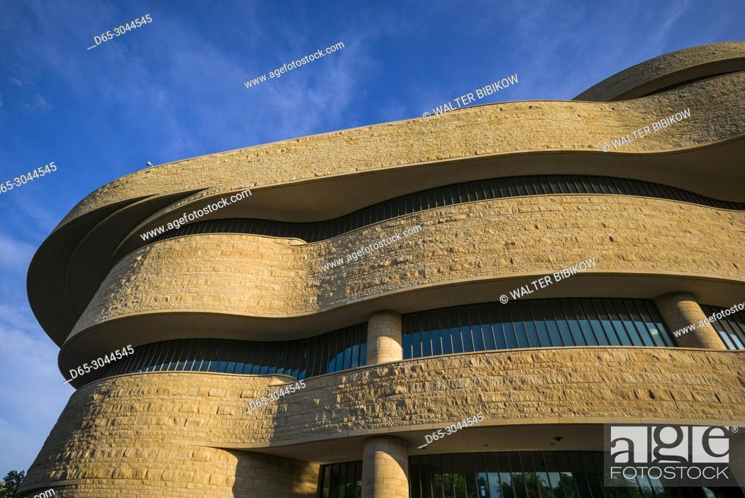 Imagen: USA, District of Columbia, Washington, National Museum of the American Indian, exterior.