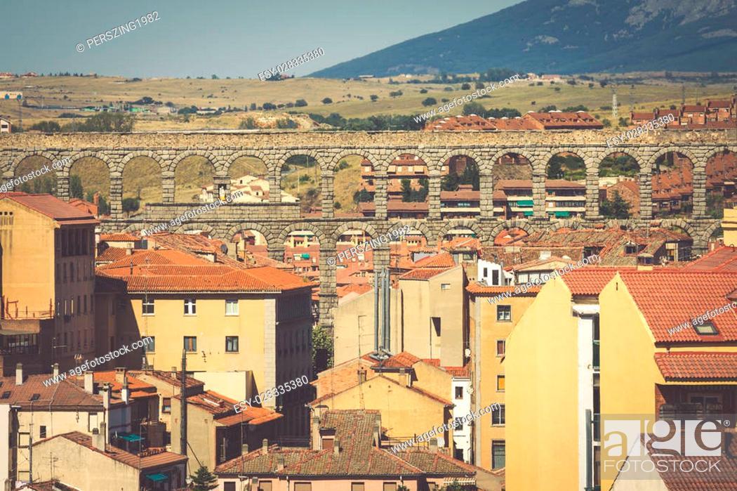 Imagen: Roman aqueduct bridge of Segovia, Castilla Leon, Spain.