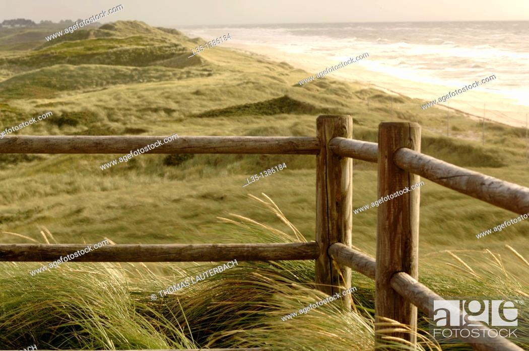 Stock Photo: Enclosed lookout on the beach of Sylt, North Sea, Germany.