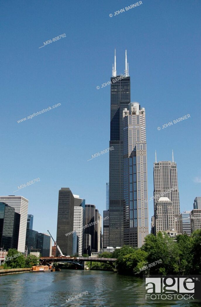 Stock Photo: Sears Tower, Chicago, from the Chicago River.