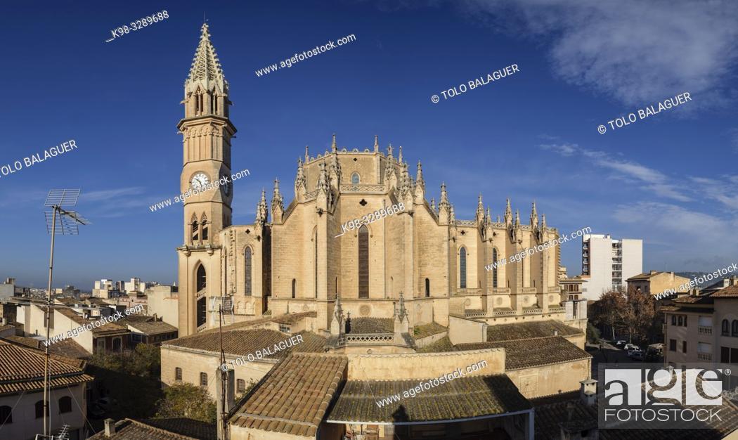 Imagen: Iglesia de Nostra Senyora dels Dolors, finales del siglo XIX por iniciativa del rector Rubí, obra de José Barceló Runggaldier y Gaspar Bennàssar, Manacor.