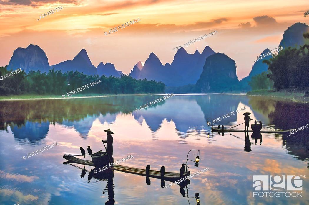 Photo de stock: China-Guangxi Province. Guilin City. Li Jian River.