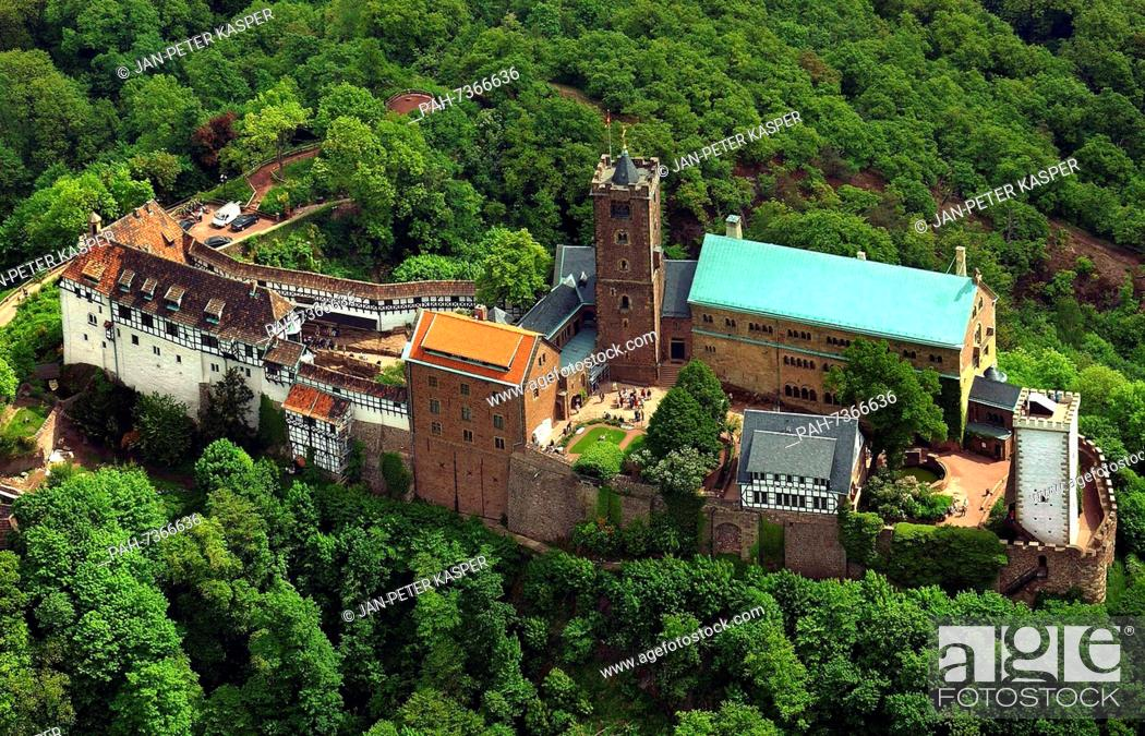 Imagen: Germany - Wartburg Castle in Eisenach - A view of Wartburg Castle located above the town of Eisenach, Germany, 16 May 2003.