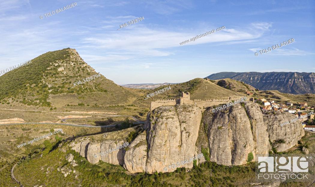Stock Photo: Castillo de Clavijo, Clavijo, La Rioja, Spain.