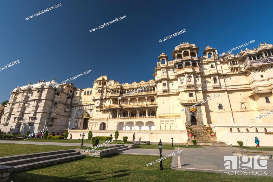 Stock Photo: City Palace of Udaipur, Udaipur Palaces Set, Palace of the Maharana Udai Singh, Udaipur, Rajasthan, India.