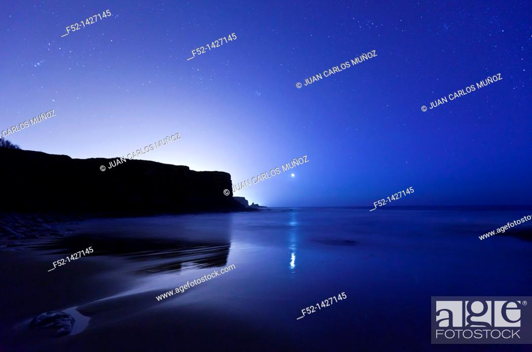 Stock Photo: Arnillas beach, Galizano, Cantabria, Bay of Biscay, Spain, Europe.